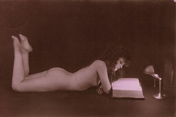 leggere libri erotici