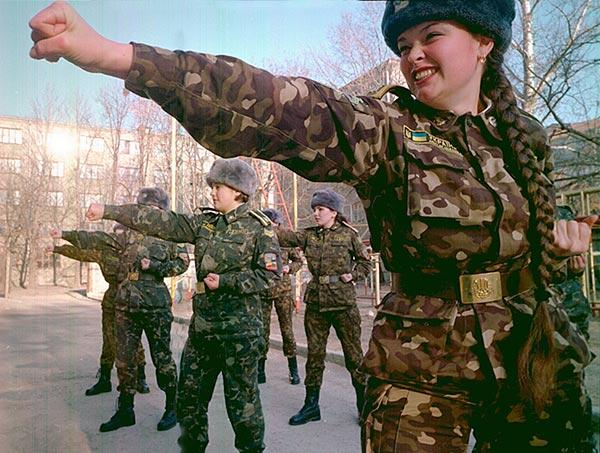 Soldatesse ucraine (fonte: www.miliwoman.com)
